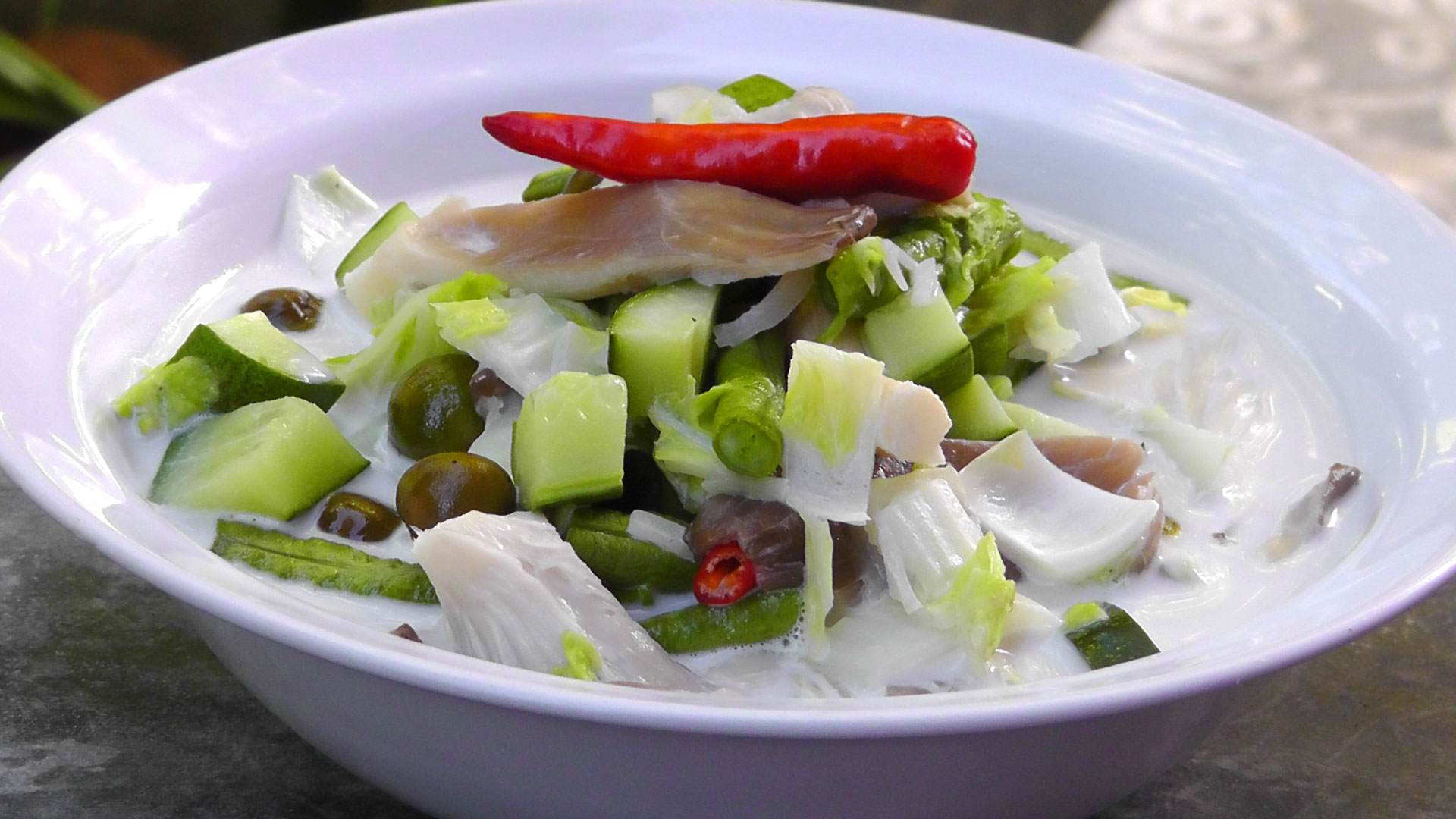 vegan-vegetarian-thai-recipe-vegetables-coconut-milk