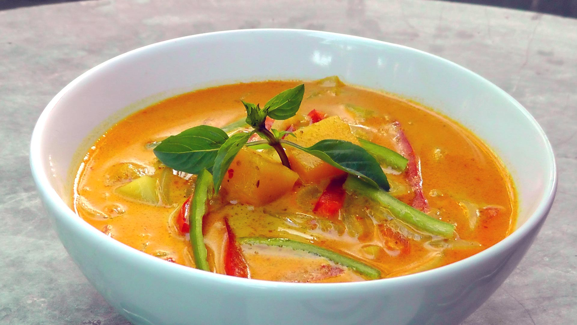yellow-thai-curry-vegetarian-recipe