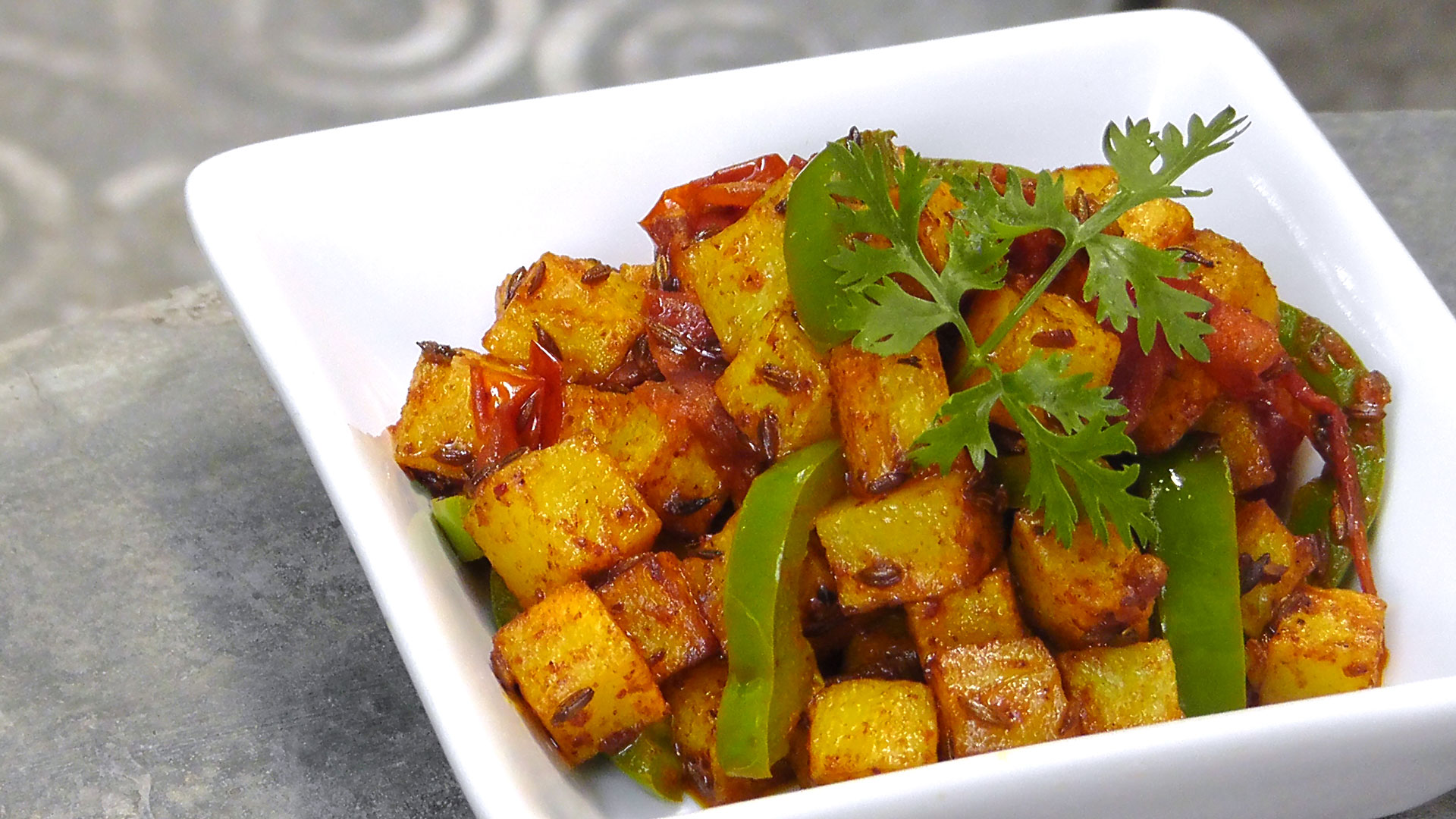 indian-aloo-capiscum-vegetarian