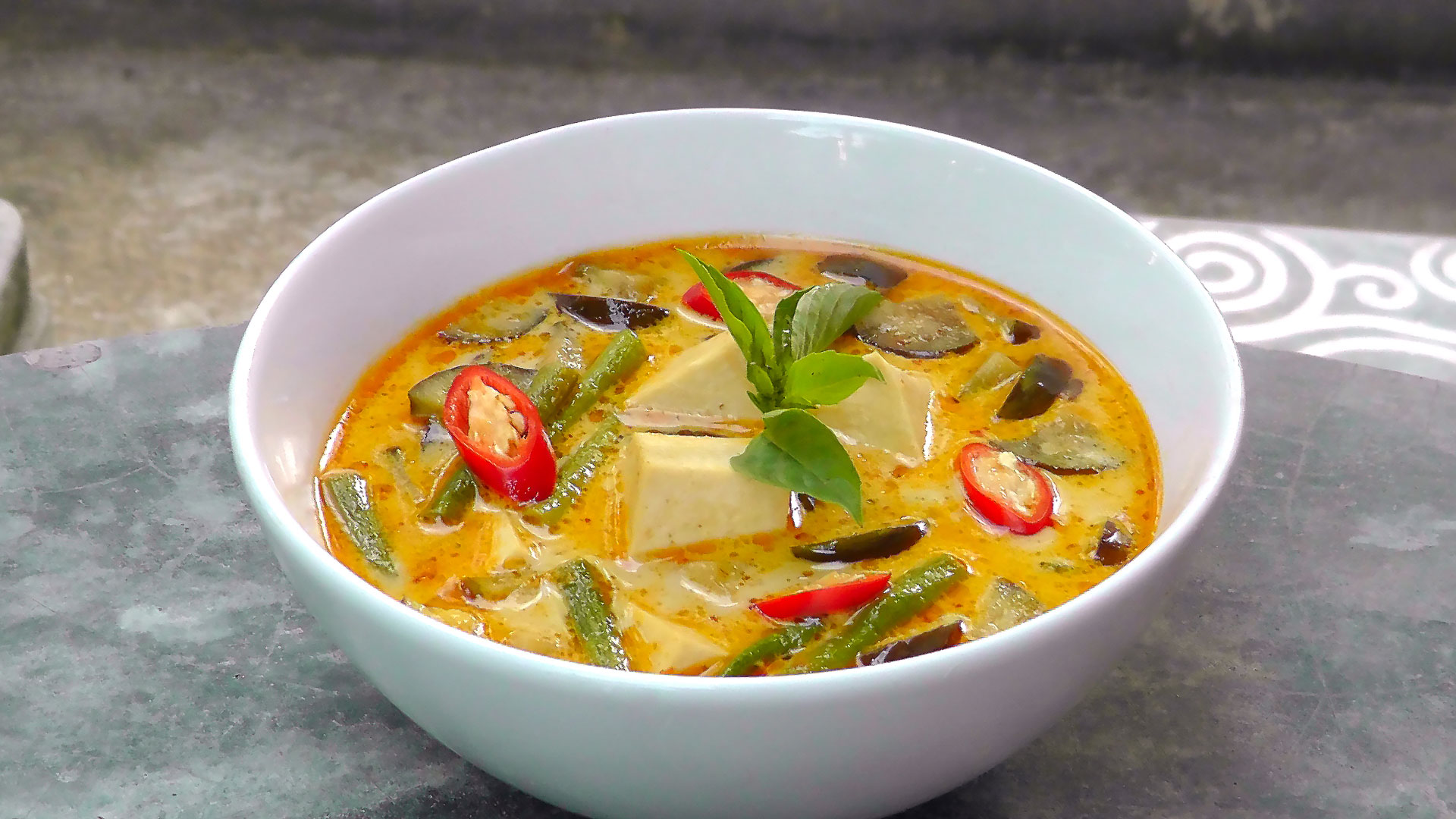 Thai Red Curry with Tofu – International Vegan